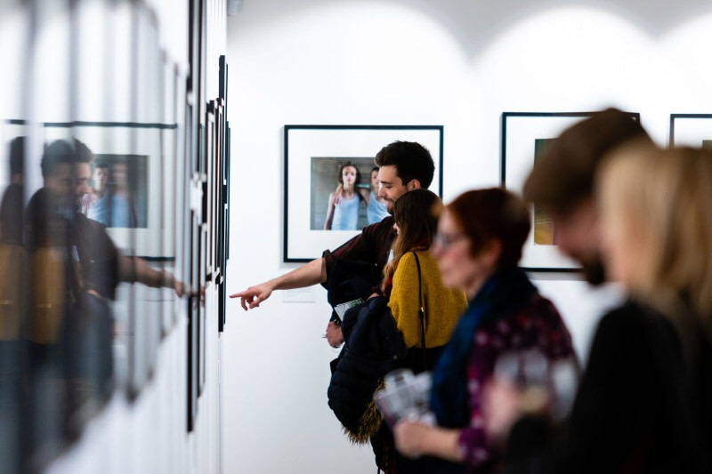 The Royal Photographic Society removes entry charge for exhibitions.