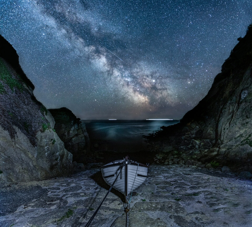 Milky Way and Meteor at Porthgwarra © Jennifer Rogers (UK